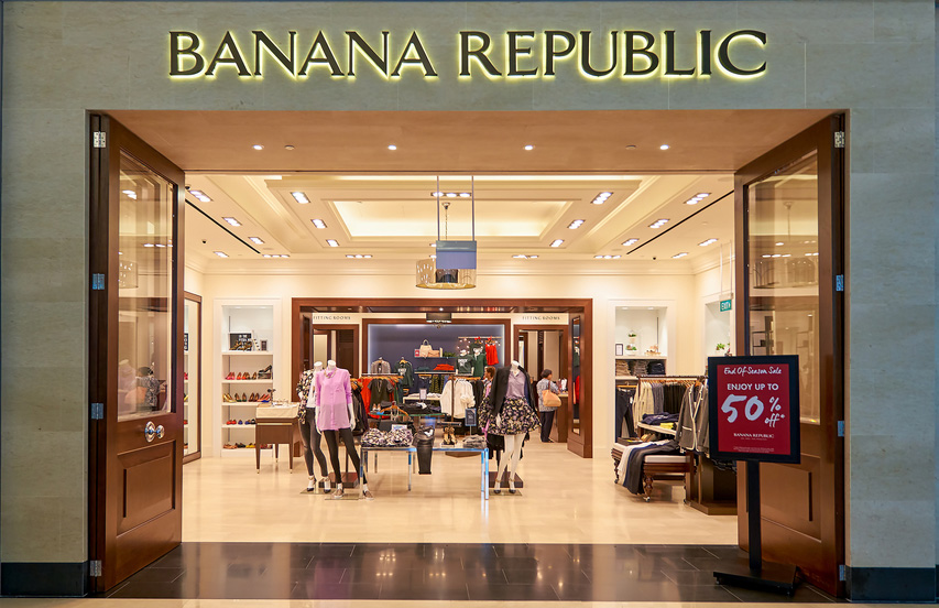Banana Republic credit card and Banana Republic Visa cardholders earn five Rewards points for every dollar spent at Old Navy, Gap, Athleta and Banana Republic. Banana Republic Visa cards also help you earn one point for every $1 spent at other stores.