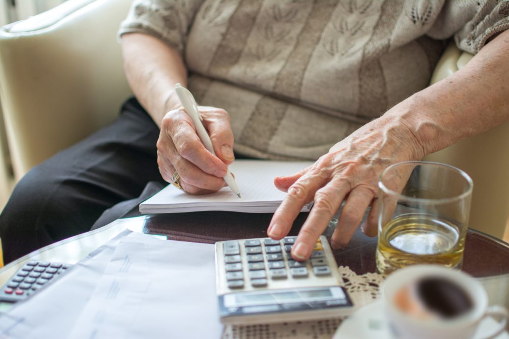 What is the Maximum Amount of Money You Can Keep in Savings Account?