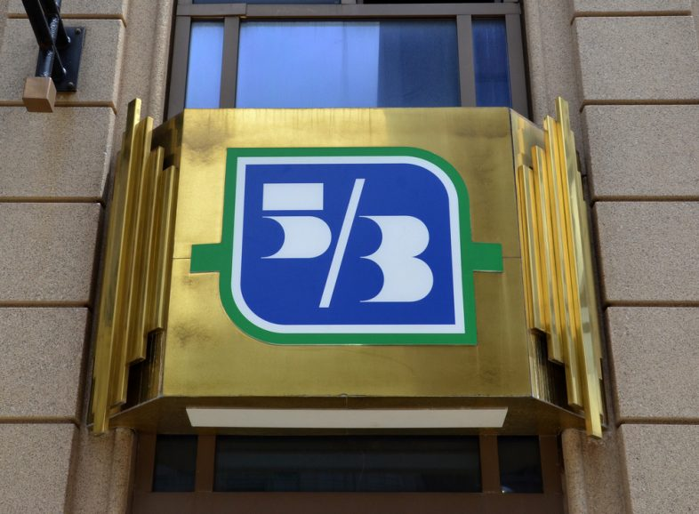 fifth third bank open on sunday