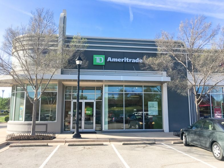 TD Ameritrade Cash Management Account Review: A Good Checking