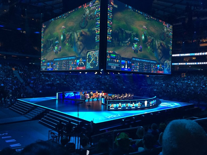 How to Invest in Esports Stocks and the Competitive Gaming Industry